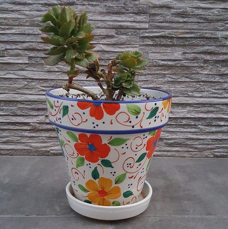 decora tu patio jardín con macetas y flores